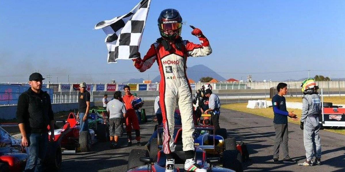 Piloto mexicana es la primera mujer en conquistar la Fórmula 4