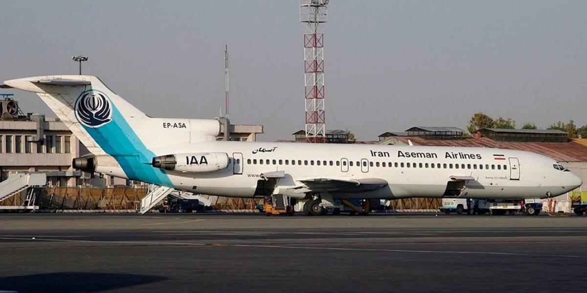 Avião comercial cai no Irã e mata 66 pessoas