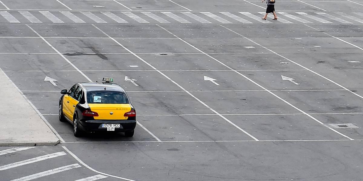 Quatro jogadores do West Bromwich se envolvem em roubo de táxi em Barcelona
