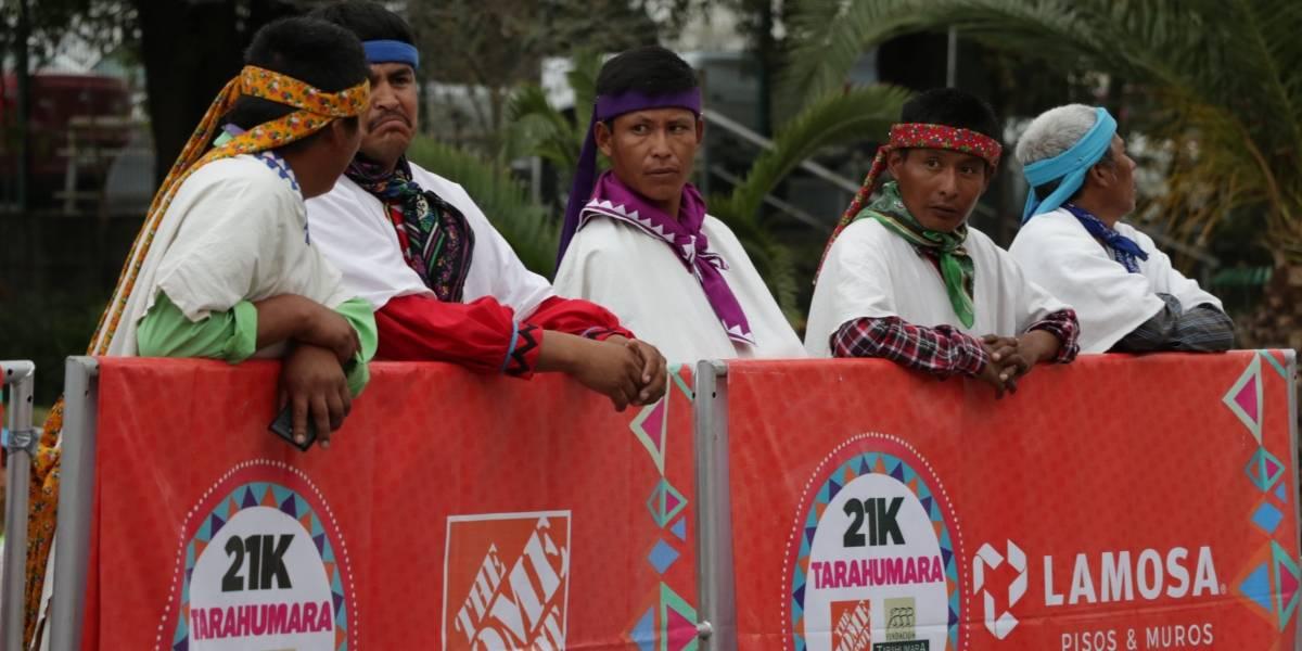 Logra Aarón Arias bicampeonato en carrera Tarahumara en Monterrey