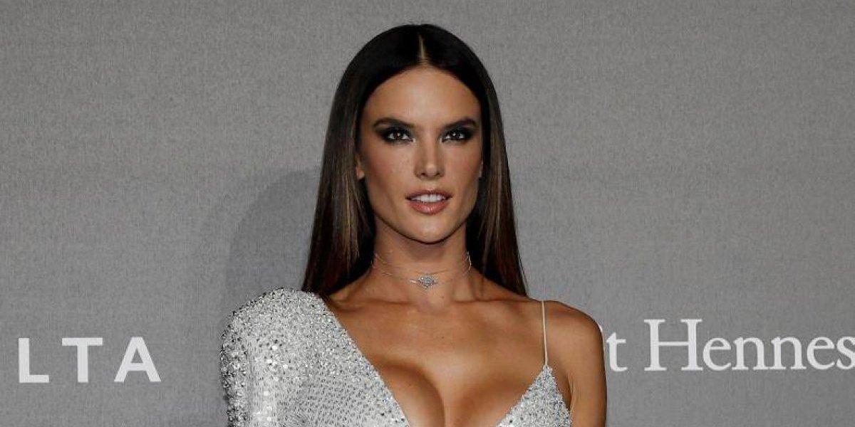 Alessandra Ambrosio disfruta de Tulum en topless y sexys bikinis