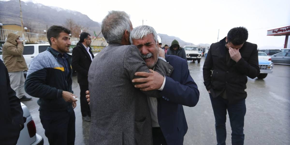 Rescatistas encontraron los restos del avión estrellado en Irán