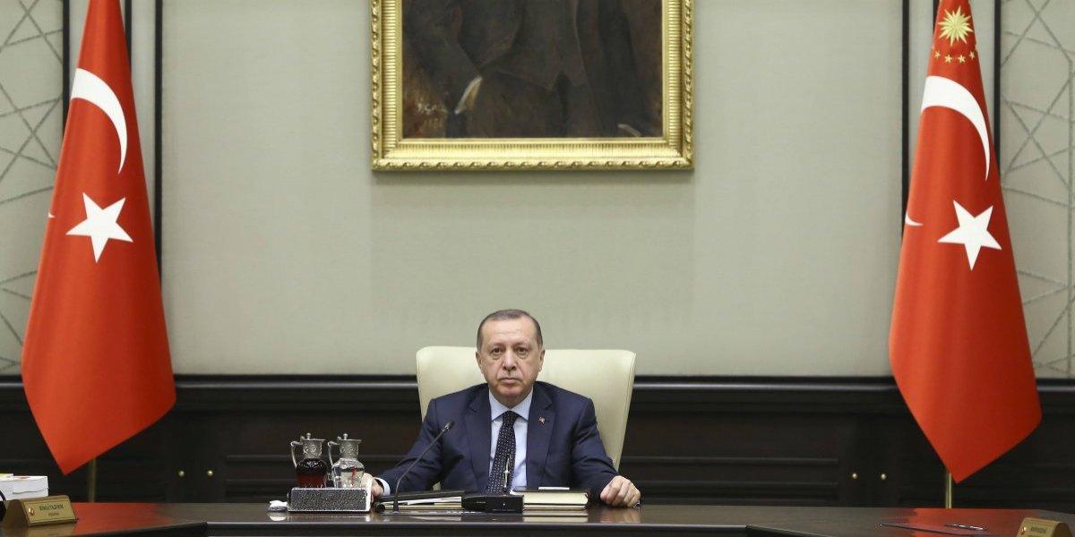 Erdogan amenaza con 'consecuencias' si el régimen de Bachar al Asad apoya a los kurdos