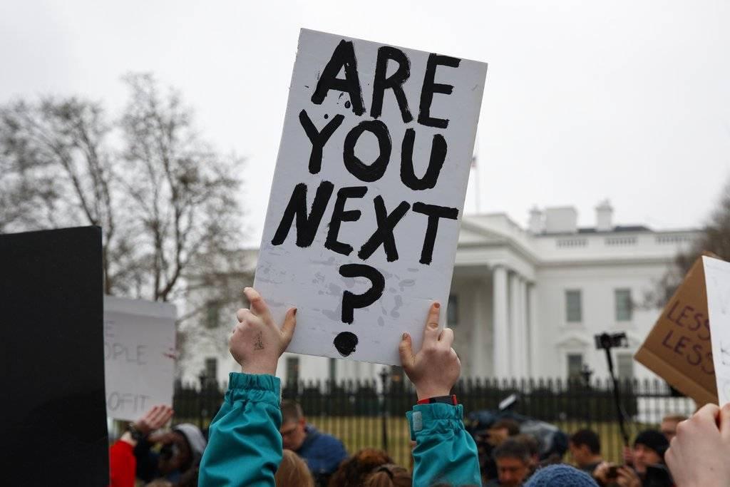 Protestas a favor del control de armas, frente a la Casa Blanca en Washington D. C. / AP