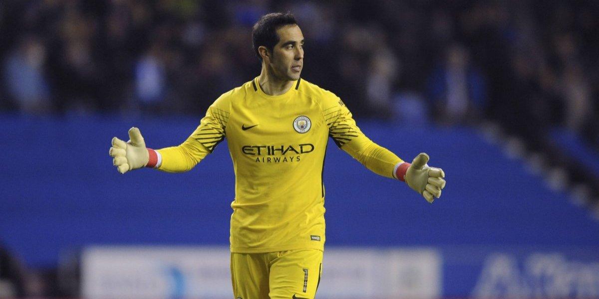El City quedó eliminado de la FA Cup con un equipo de tercera y Bravo pierde una oportunidad de ser titular