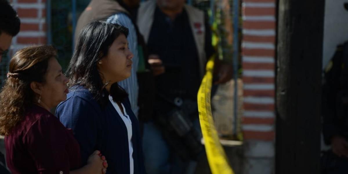 """""""No, mi mamá no"""": Mujer fue asesinada enfrente de su hija en zona 13"""