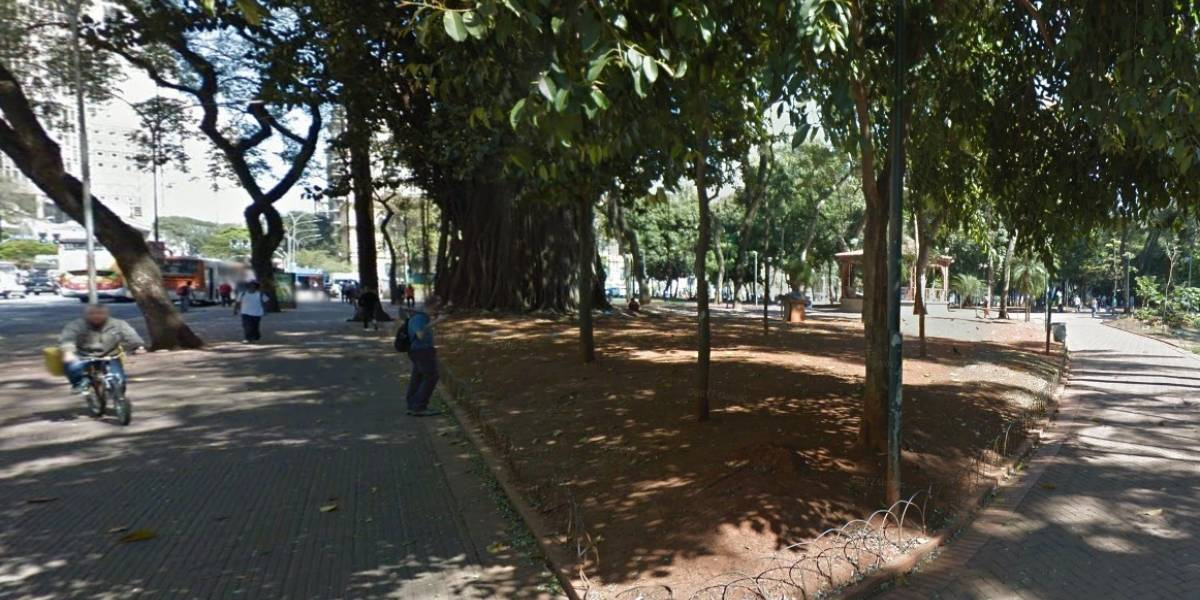 Assaltantes usam bikes para praticar roubos na Praça da República