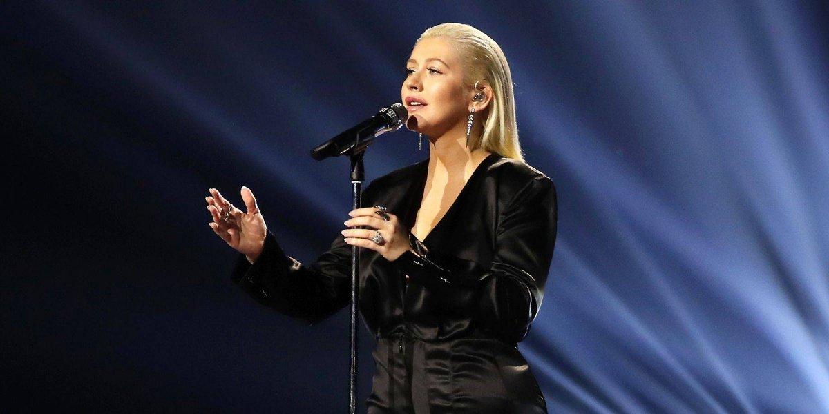 Tras ser criticada por su peso Christina Aguilera se deja ver desnuda