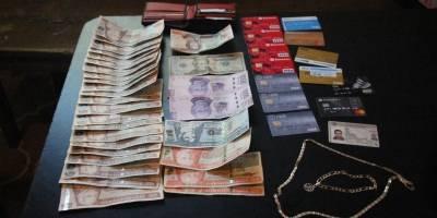 Detenidos con tarjetas de crédito clonadas