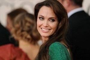FOTOS. Angelina Jolie tuvo una relación con una modelo y con quien quiso casarse