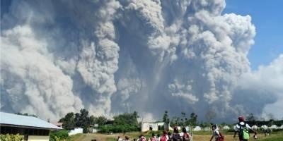 erupcionvolcanmontesinabungindonesiafebrero2018-2211f49b6b8cbd787fc2e75db93c5832.jpg