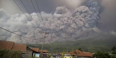 erupcionvolcanmontesinabungindonesiafebrero20187-f70410ae9d850ef3840c3115917e04e2.jpg