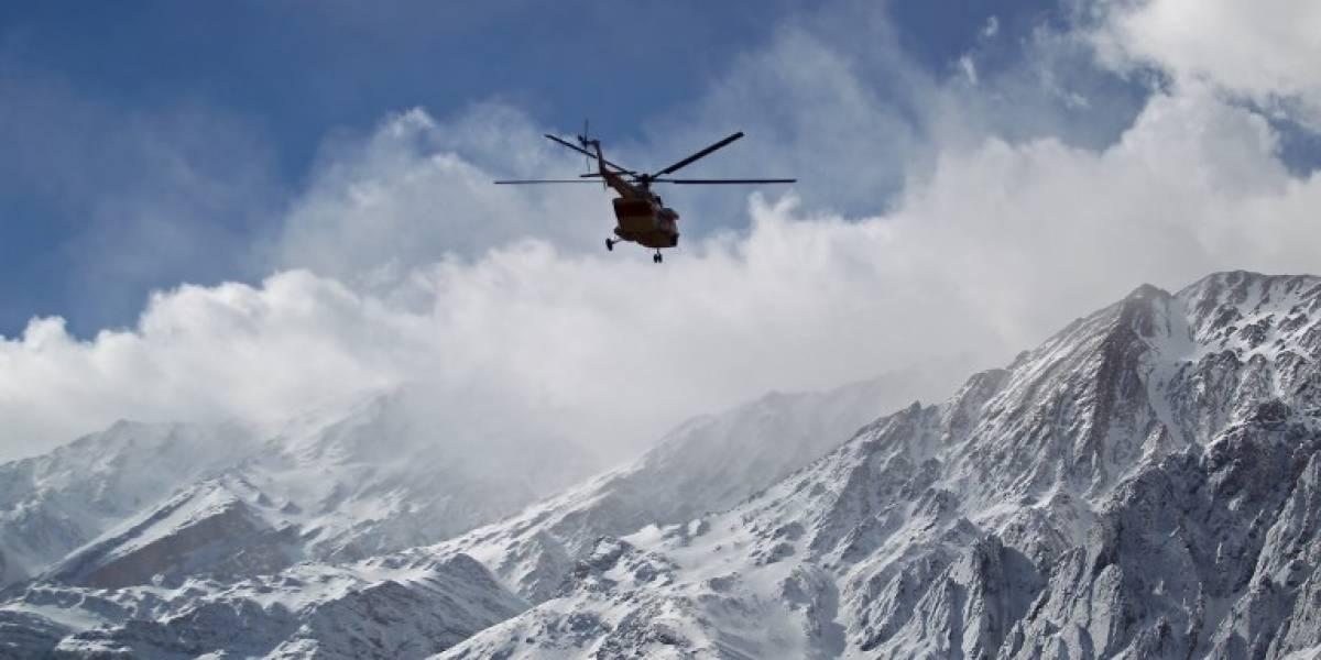 Hallan restos del avión que se estrelló en las montañas de Irán