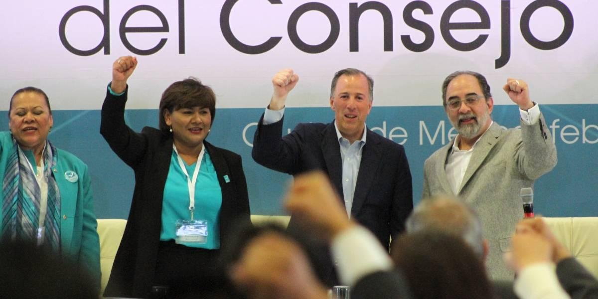 En lugar de prohibir, el INE debería propiciar los debates: Meade
