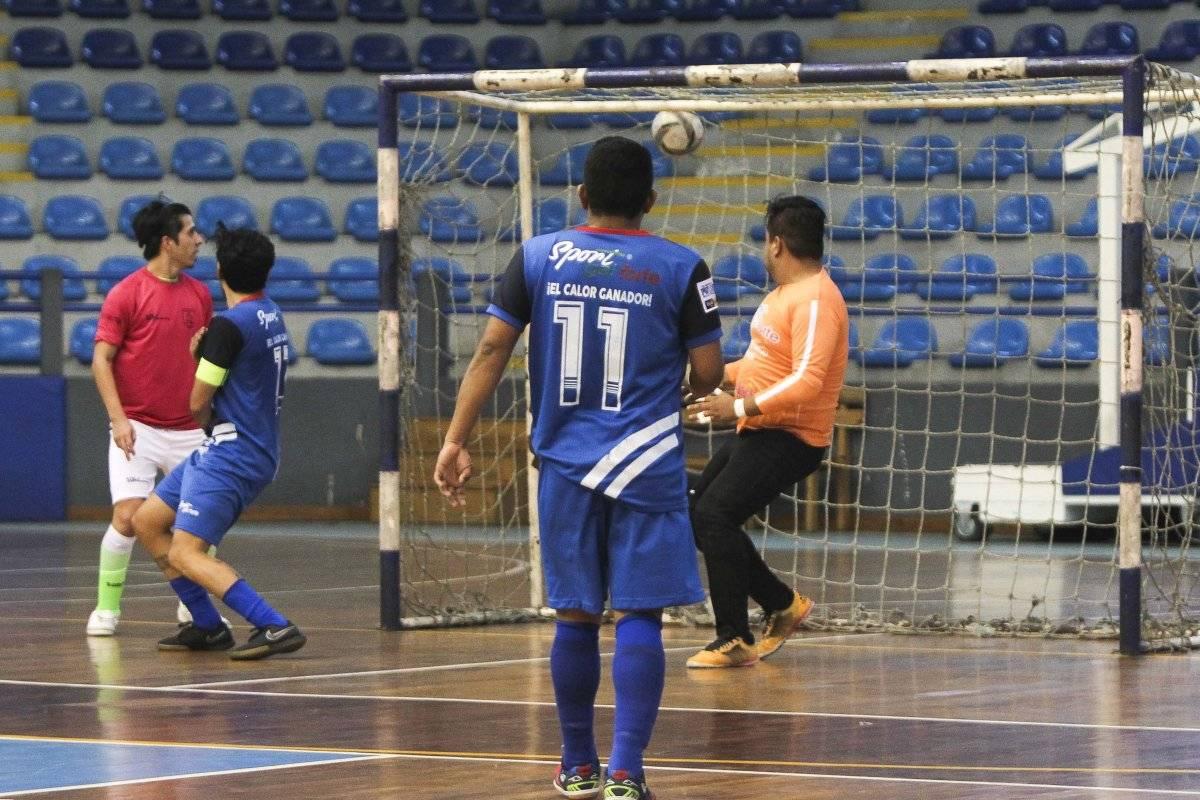 Legendarios sigue imparable en el torneo de Futsal.