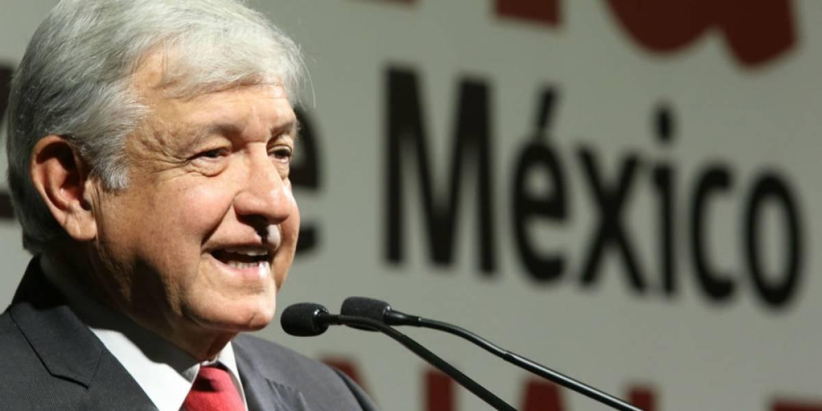 AMLO defiende a Napoleón Gómez Urrutia; 'ha sido estigmatizado', asegura