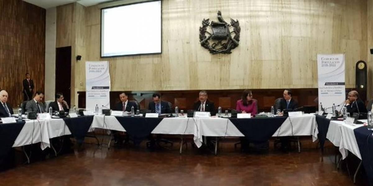 Comisión de Postulación inicia revisión de expedientes de aspirantes a fiscal general