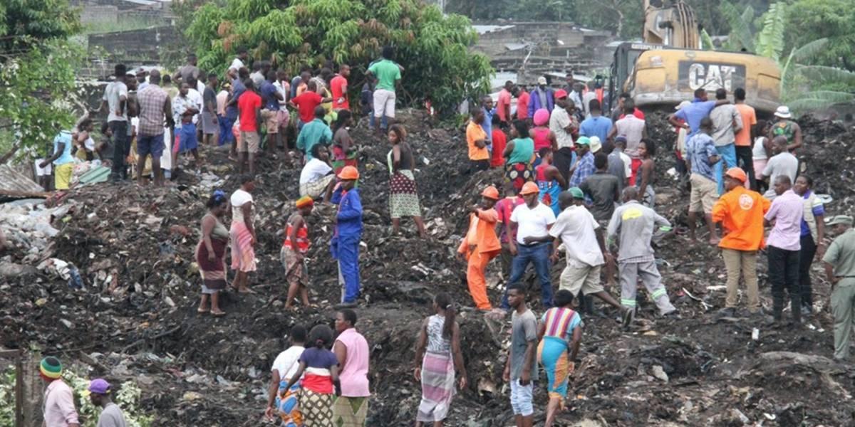 17 muertos al colapsar montaña de basura en Mozambique
