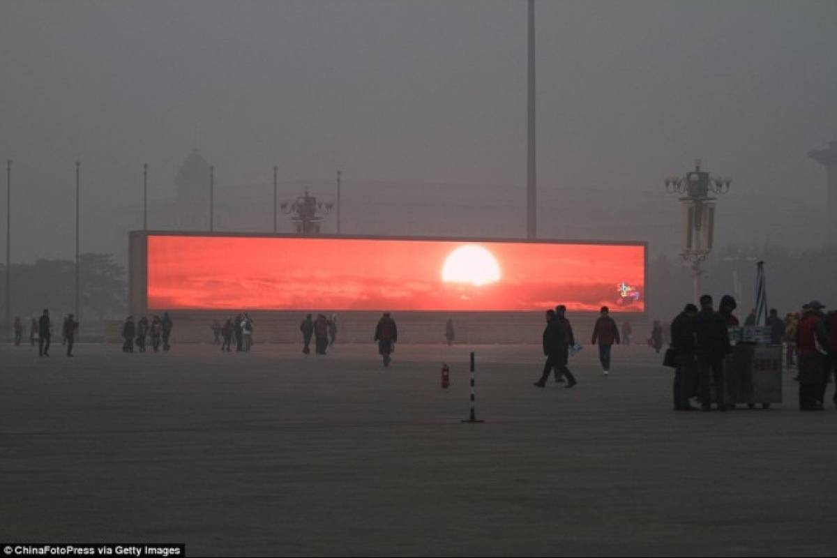 China emite el amanecer en pantallas gigantes por culpa de la contaminación [Actualizado]