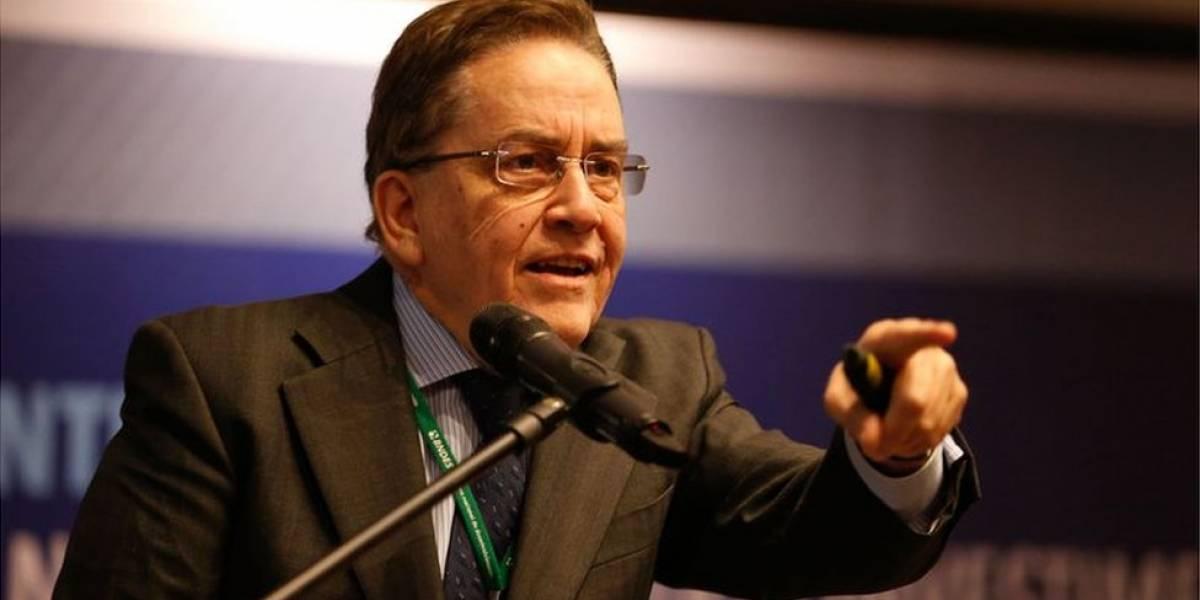 Presidente do BNDES, Paulo Rabello de Castro, entrega carta de demissão a Temer