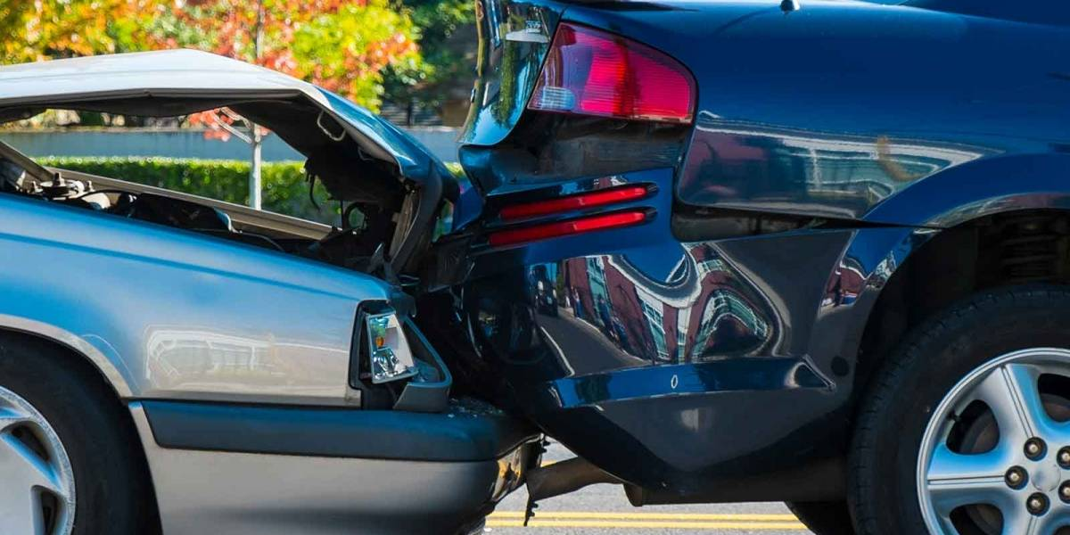 Niño de 12 años causa la muerte de cinco personas en un accidente automovilístico