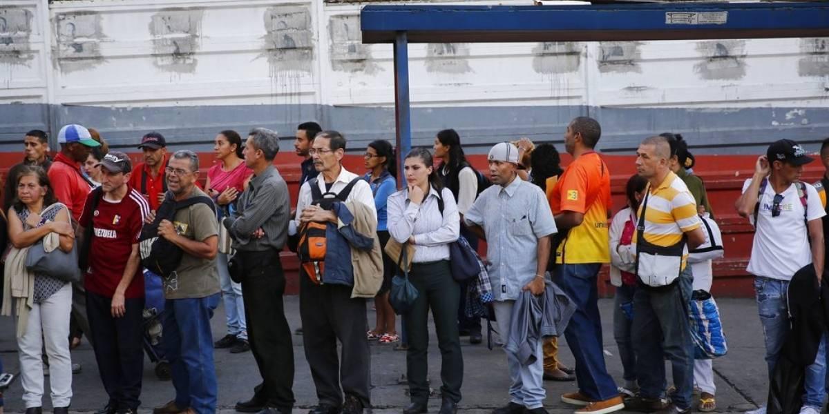 Empleados venezolanos dejan de trabajar porque pierden dinero