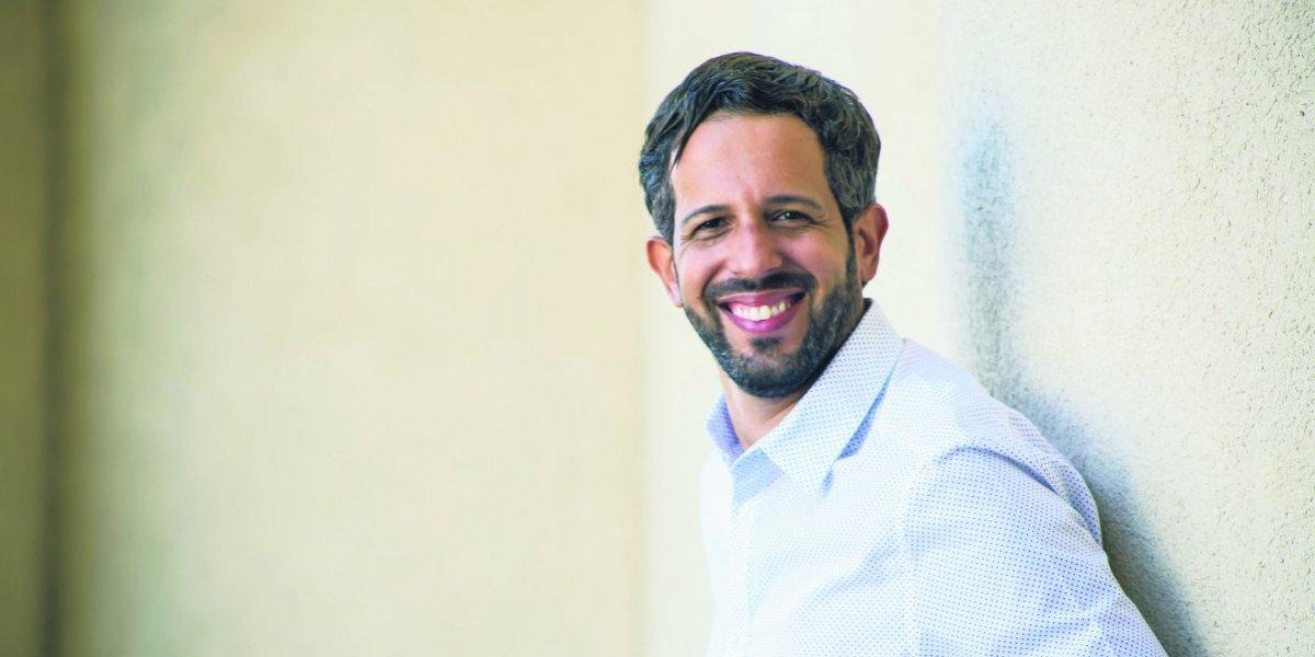 Benny Ferreiras en su nueva faceta como escritor