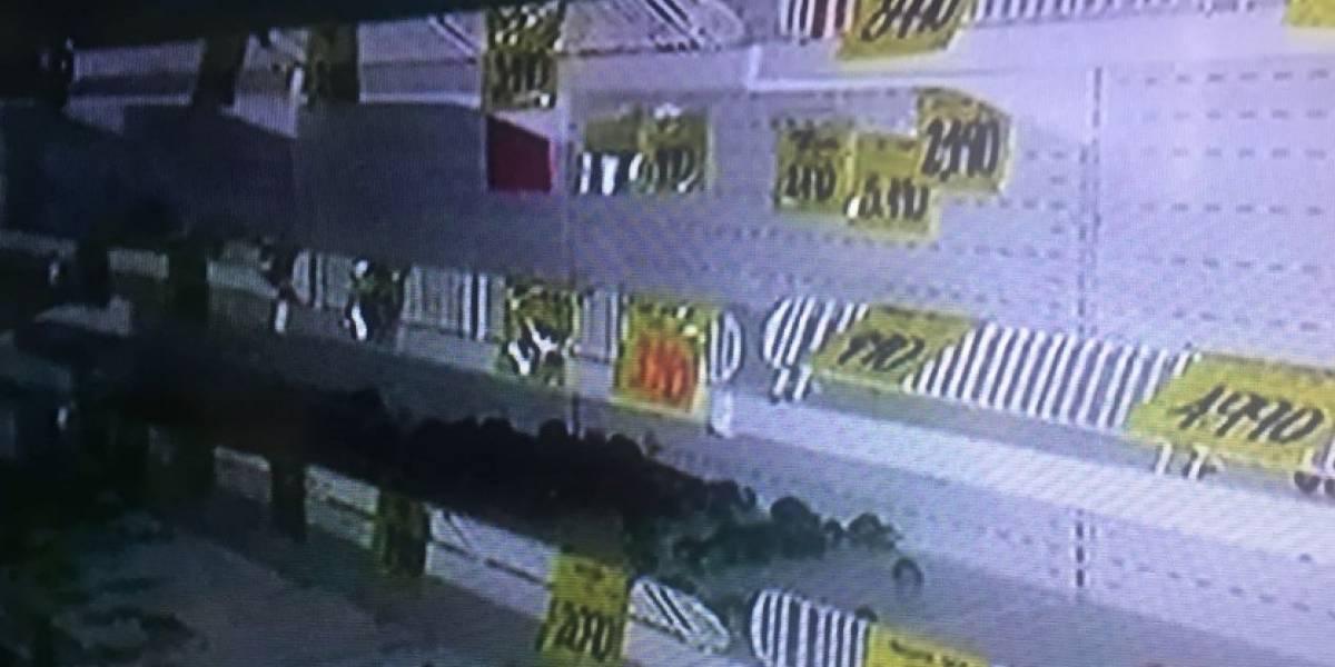 Saquean supermercados que pertenecerían a presuntos testaferros de las Farc