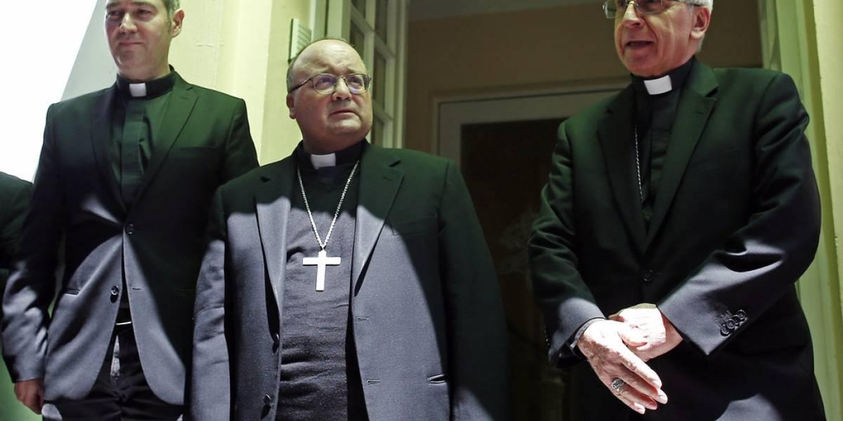 Enviado del Vaticano recibe a víctimas de abuso en Chile