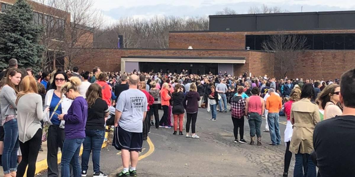 Estudiante se habría disparado dentro de escuela en Jackson, Ohio
