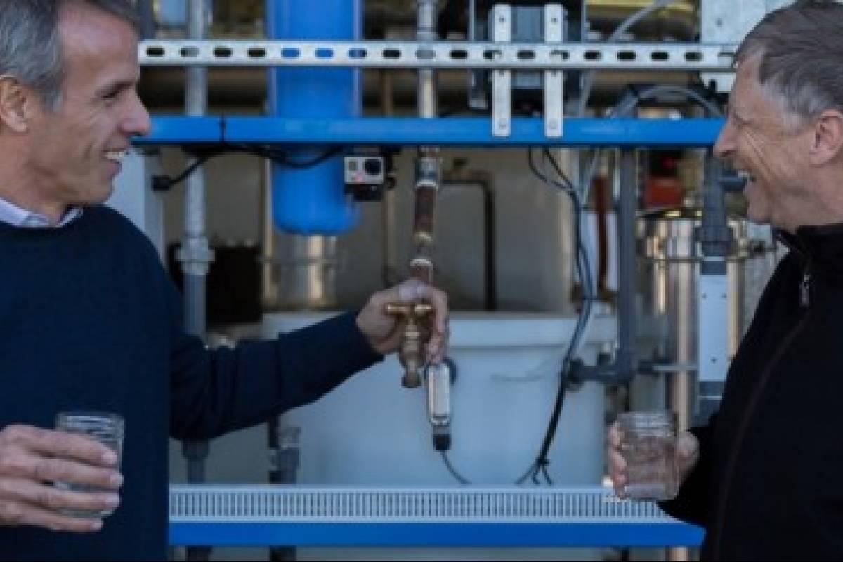 De heces a agua potable: La máquina que sorprendió a Bill Gates