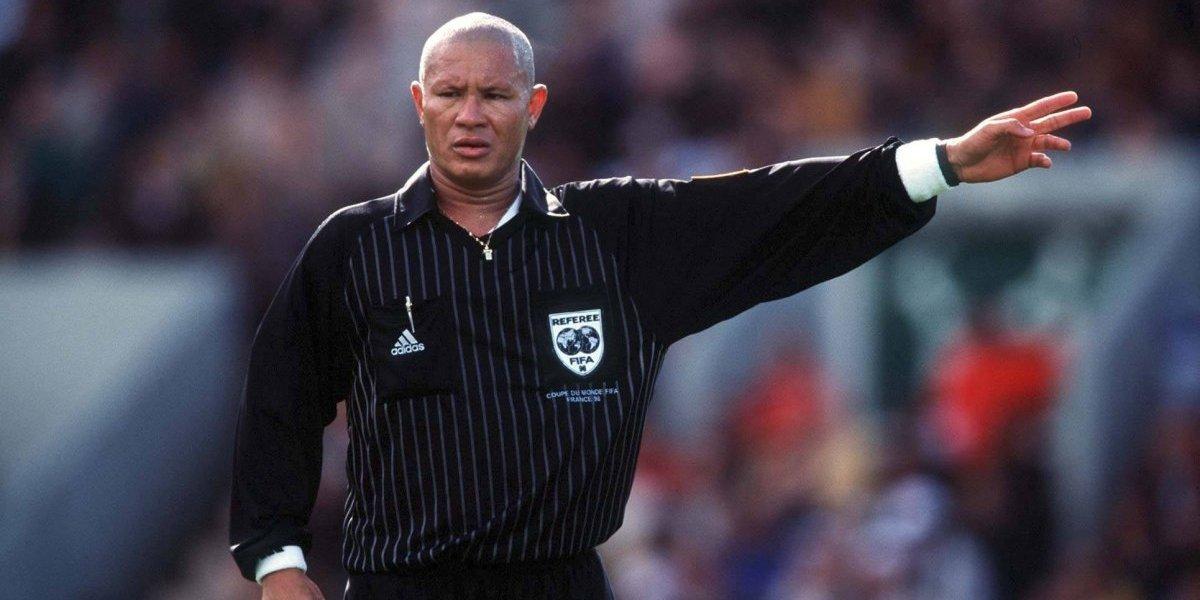 Falleció Lucien Bouchardeau, el árbitro que cobró la polémica mano de Ronald Fuentes en Francia 1998