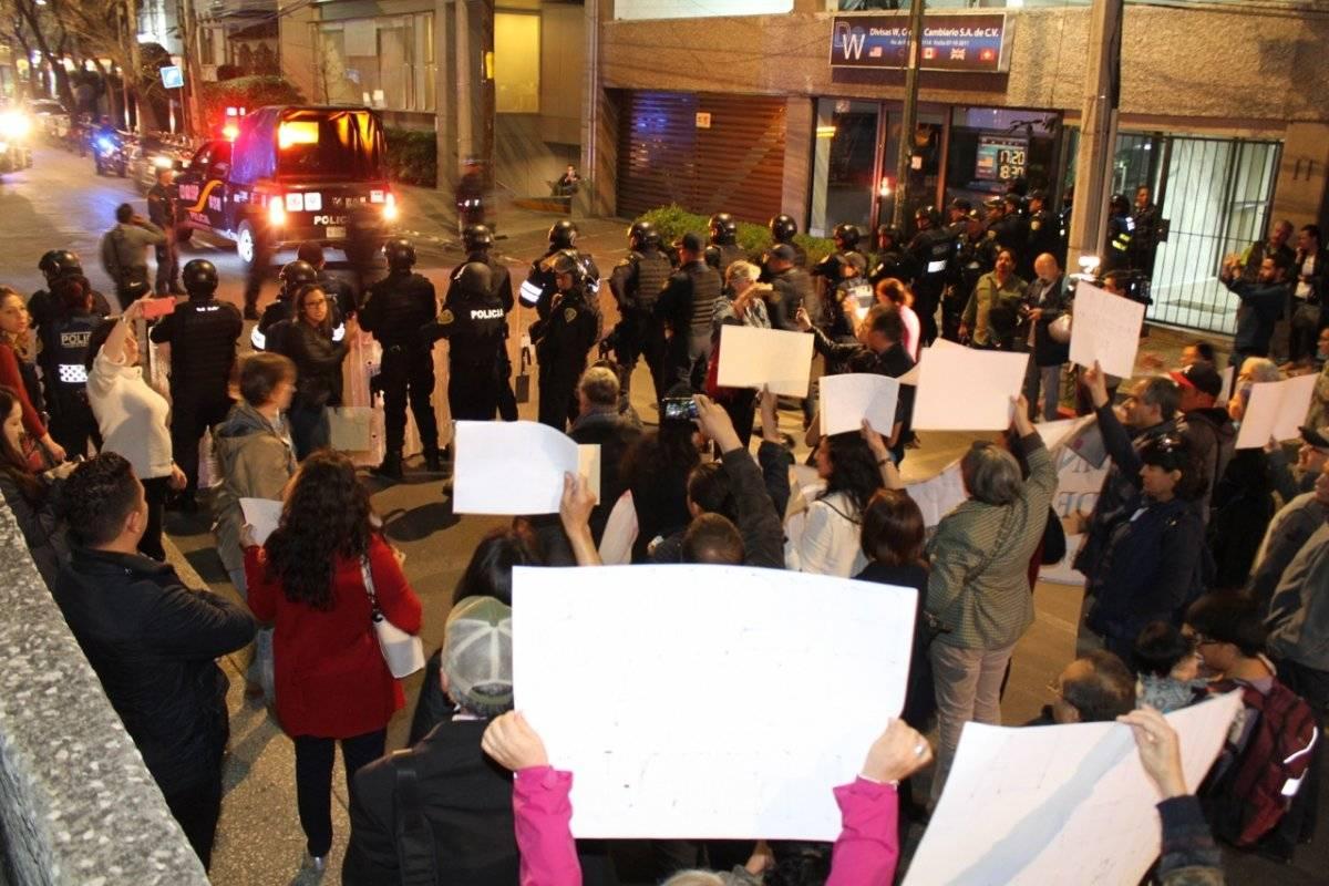 Vecinos de la delegación Benito Juárez se manifestaron por la falta de agua Foto: Nicolás Corte
