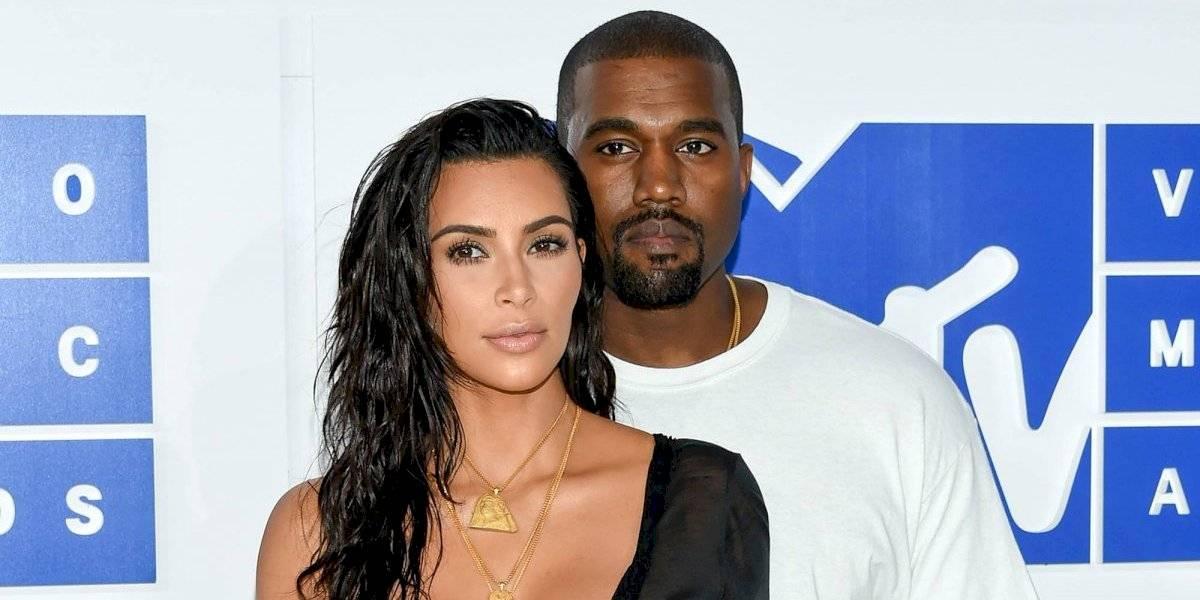 ¡Ay, foooo! Kanye West se hace viral al ser captado comiéndose su cerilla