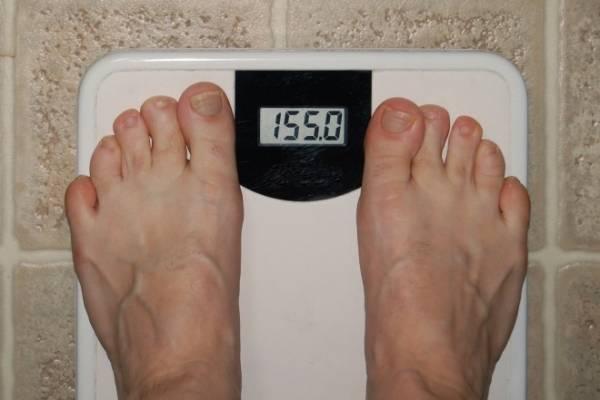 Defecar para bajar de peso