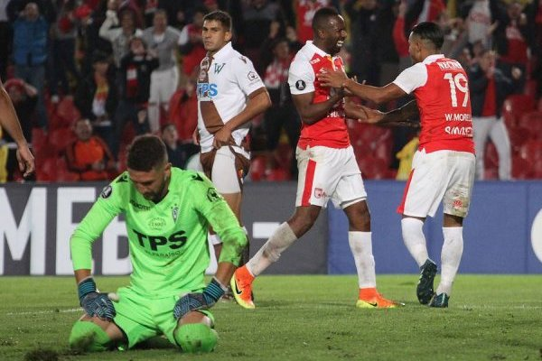 Morelo volvió a amargar a Wanderers / imagen: Photosport
