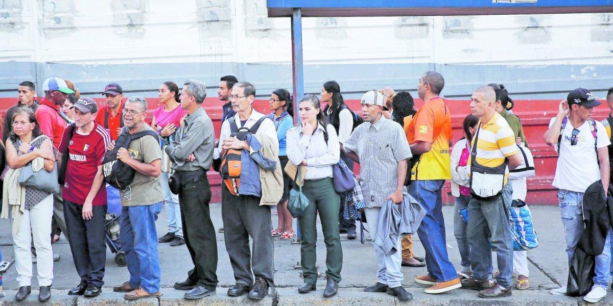 Los venezolanos dejan de trabajar porque pierden dinero