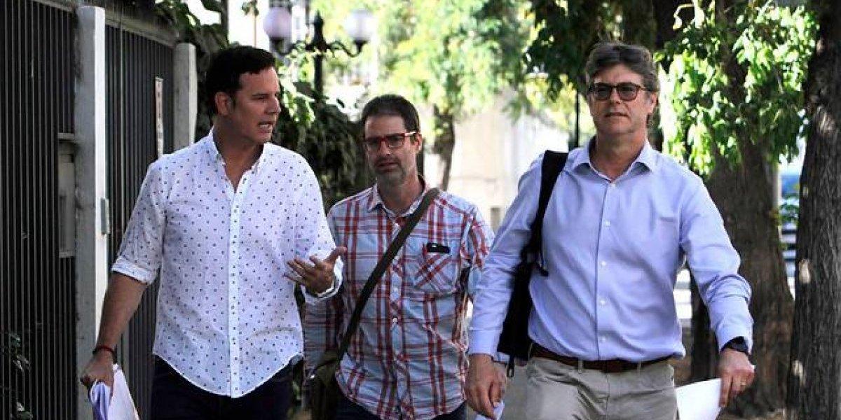 Murillo y Hamilton, víctimas de Karadima, se reunirían hoy con el enviado papal