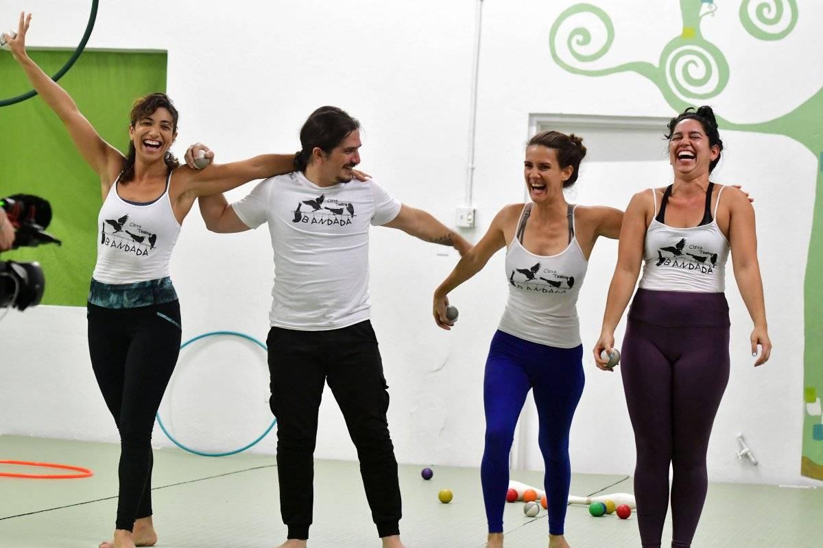 De izquierda a derecha, Angelle, Lidi Paoli, Isaira y Angelina, integrantes del colectivo Circo Teatro Bandada / Foto: Dennis Jones