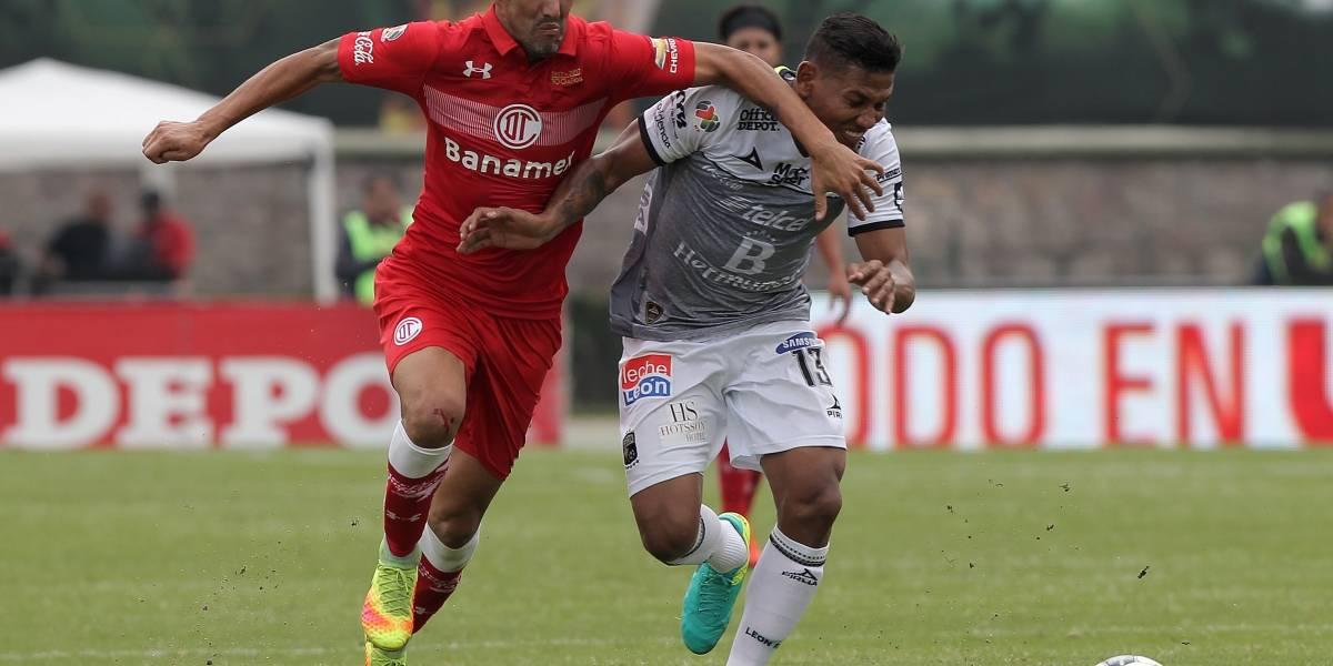 Cero y van dos: Alex Mejía se lesionó nuevamente en el fútbol mexicano
