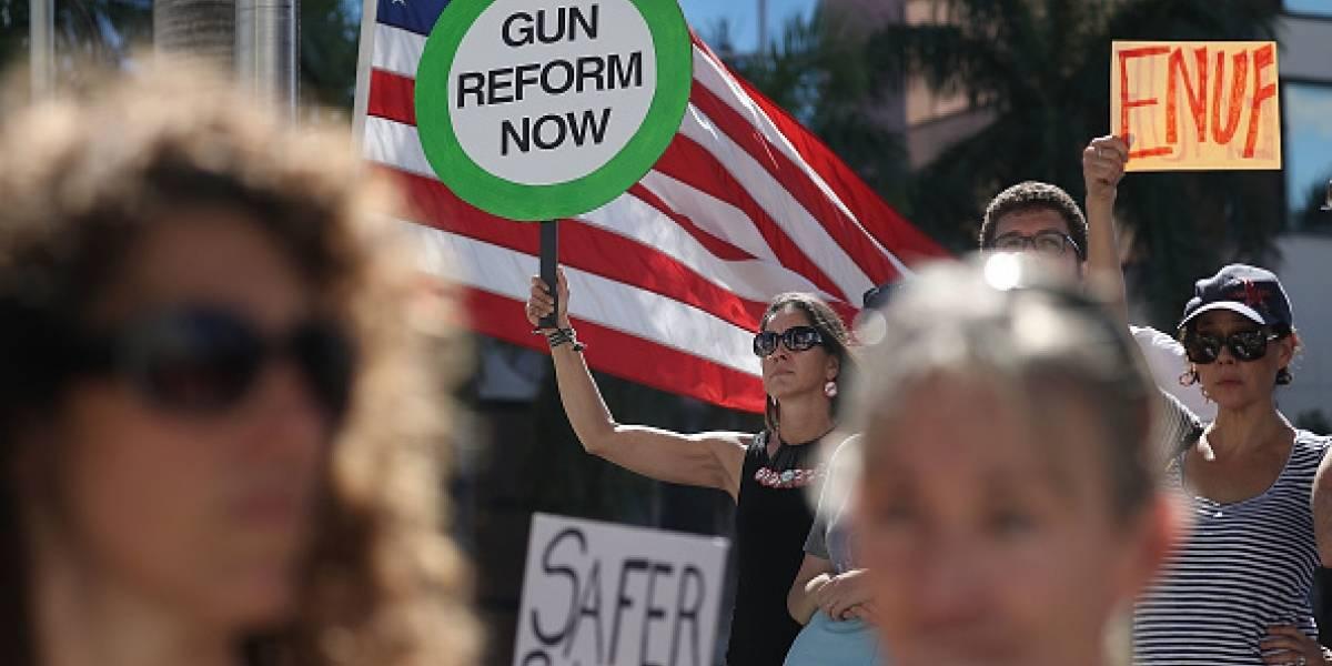 Trump respalda ley que refuerza el control en la venta de armas