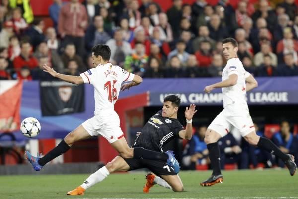 Sevilla tiene tambaleando al United / imagen: AP
