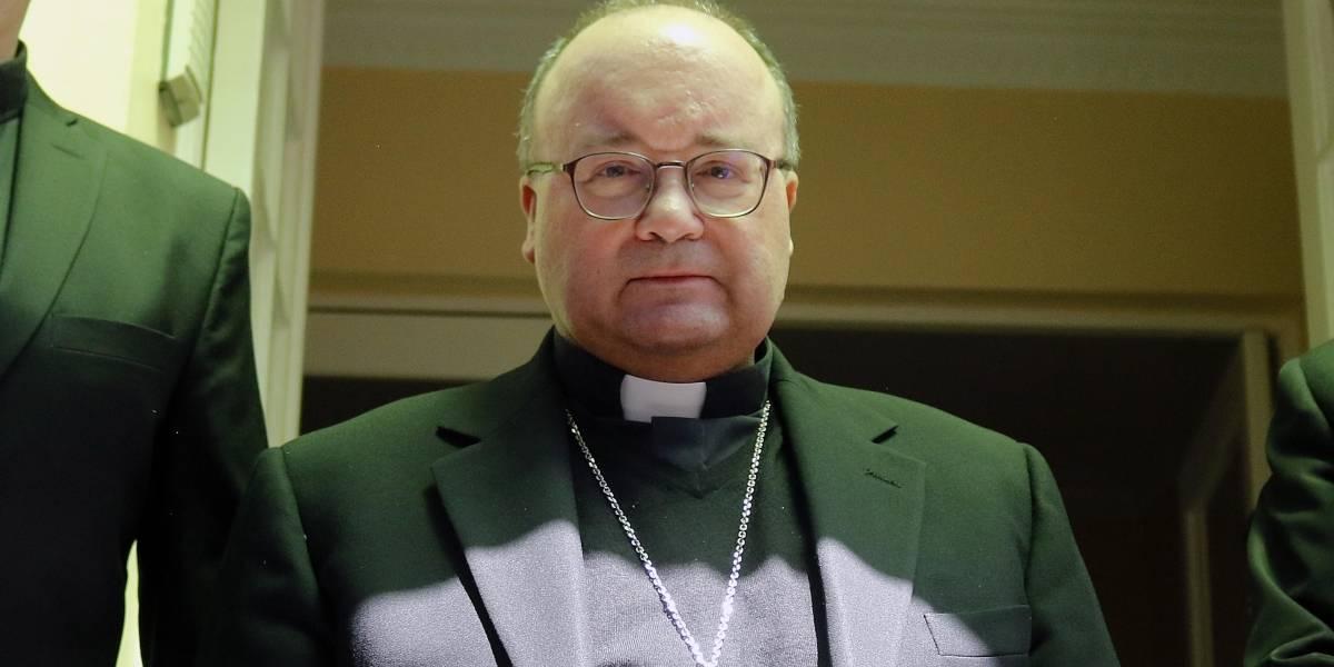 Estará internado hasta el viernes: arzobispo Scicluna fue operado esta mañana por problemas en vesícula