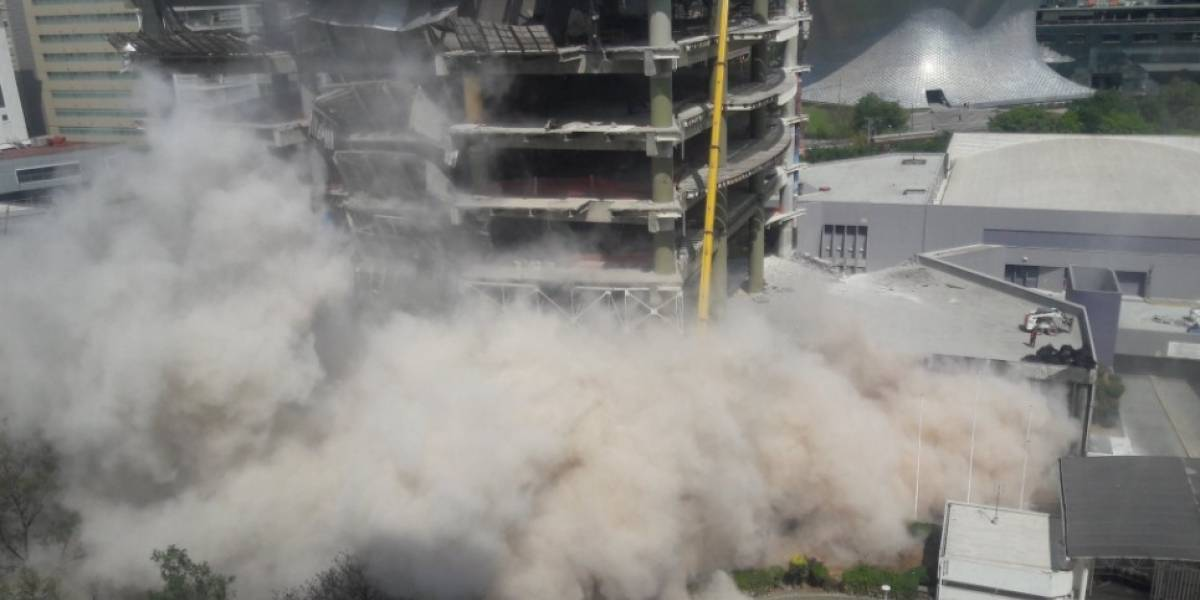 Video: Se derrumba parte de una construcción en Polanco