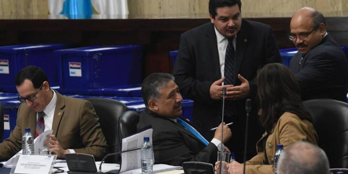 Comisión evalúa los expedientes de los interesados en ser el próximo fiscal