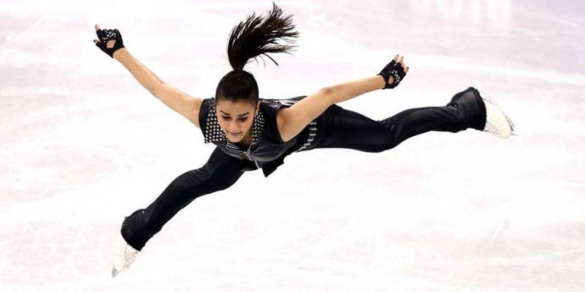 VIDEO: Bella patinadora deslumbró con su rutina de rock en el hielo olímpico a ritmo de AC/DC