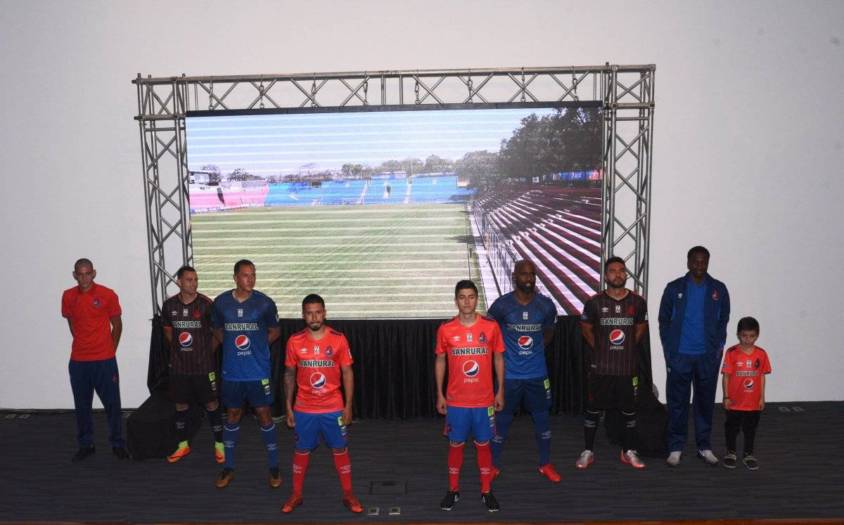 Los rojos estrenarán uniforme el domingo ante Suchitepéquez.