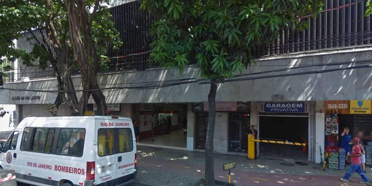Disparo acidental de policial deixa feridos em galeria de Botafogo