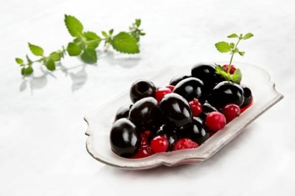 como curar aceitunas negras en salmuera