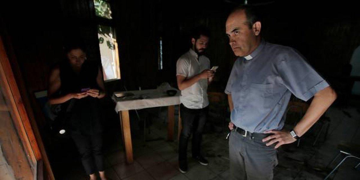 """""""Violadores y asesinos"""": atacan nuevamente parroquia San Esteban de Puente Alto"""